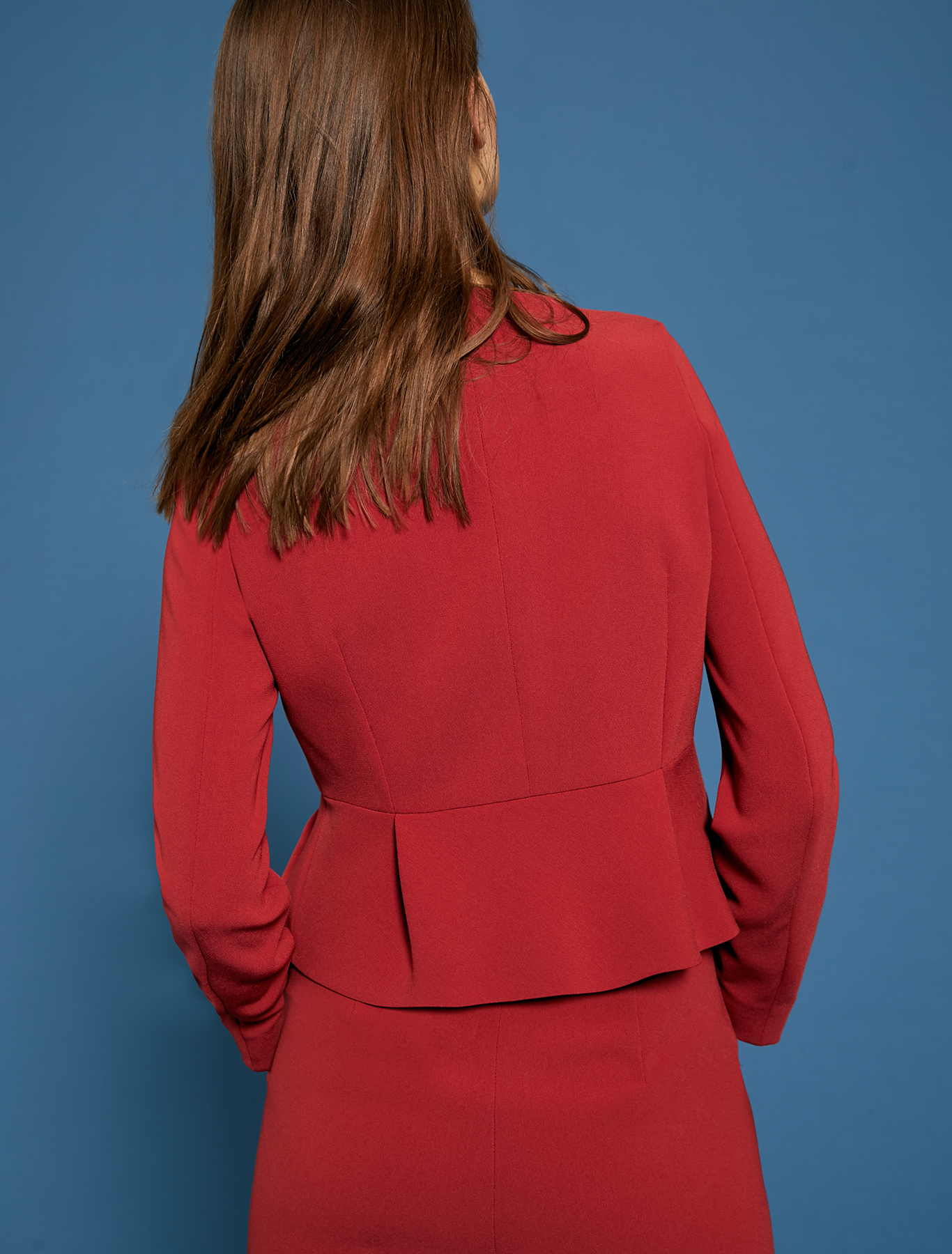 Slim-fit pleated peplum jacket - red - pennyblack