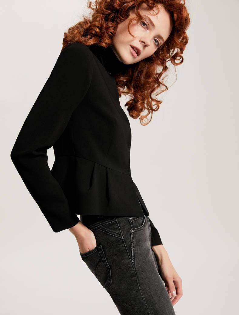 Slim-fit pleated peplum jacket - black - pennyblack