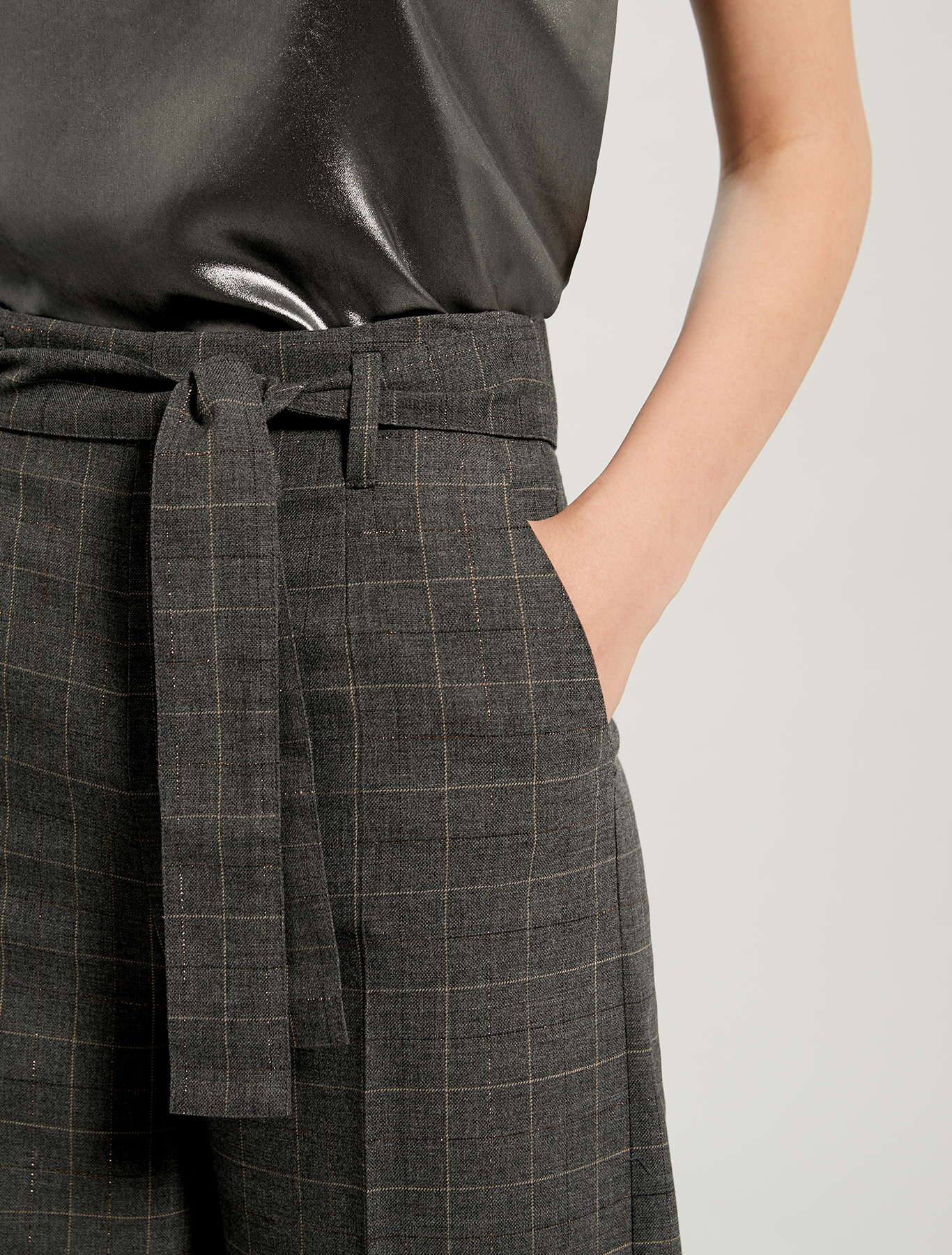 Wide leg trousers with lamé design - dark grey pattern - pennyblack