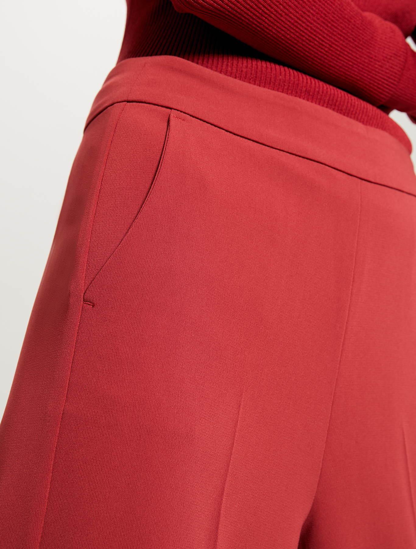 Fluid cropped trousers - red - pennyblack