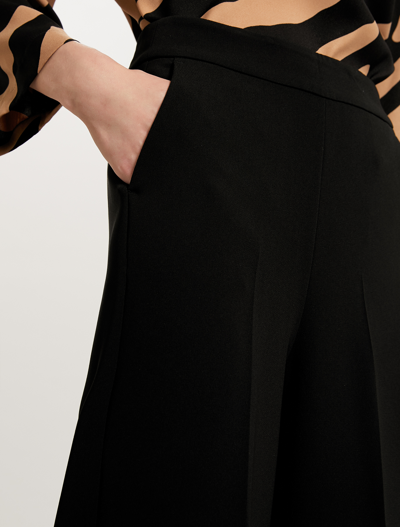 Fluid cropped trousers - black - pennyblack