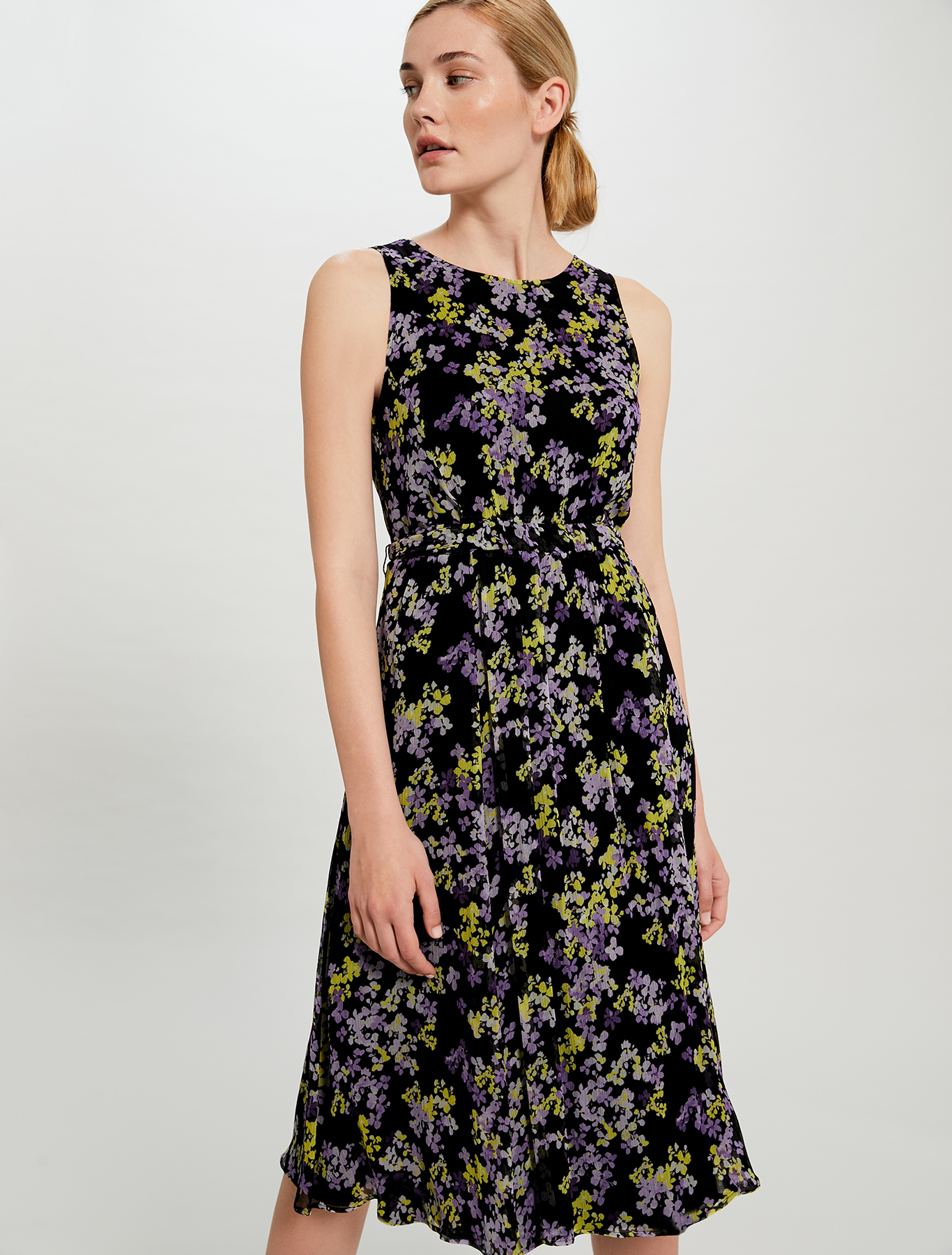 Floral dress with tie belt - black pattern - pennyblack