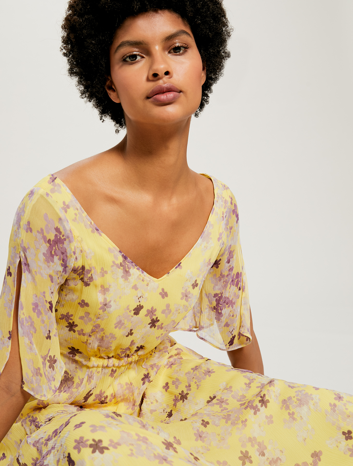 Floral dress with gathering - soft yellow pattern - pennyblack