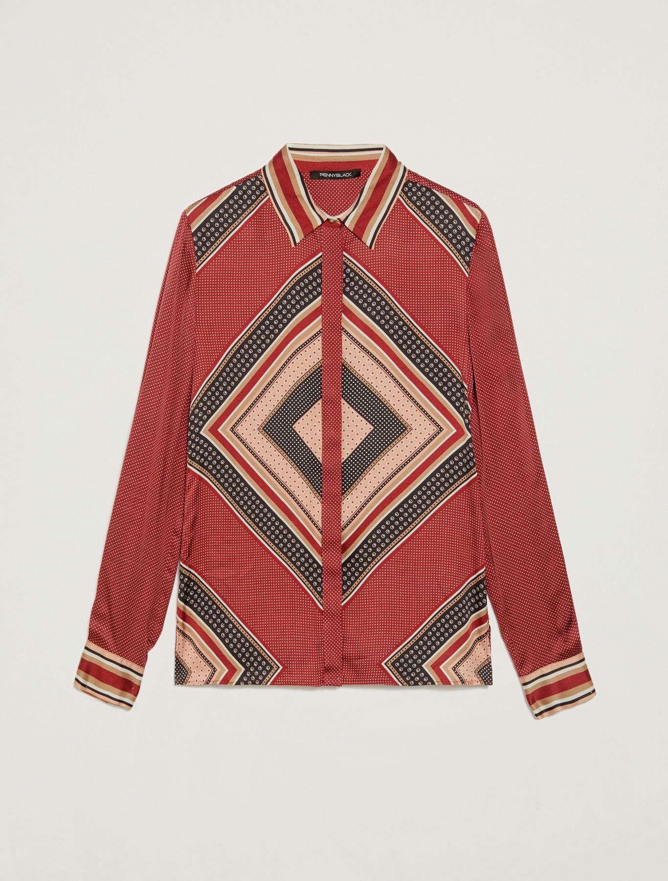 Shirt in scarf print satin - red pattern - pennyblack