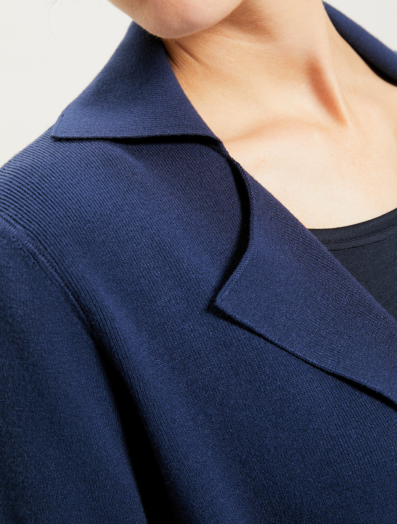 Cardigan with lapels and belt - navy blue - pennyblack