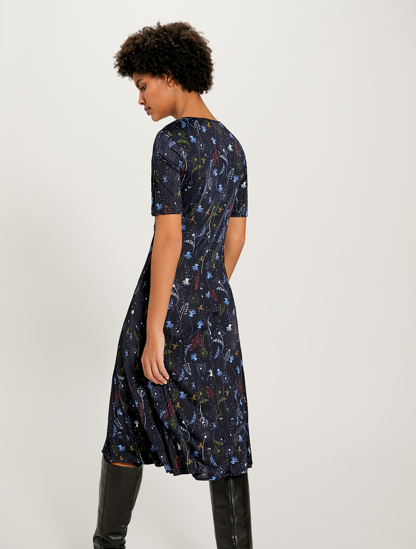 Jersey dress with plant print - navy blue pattern - pennyblack
