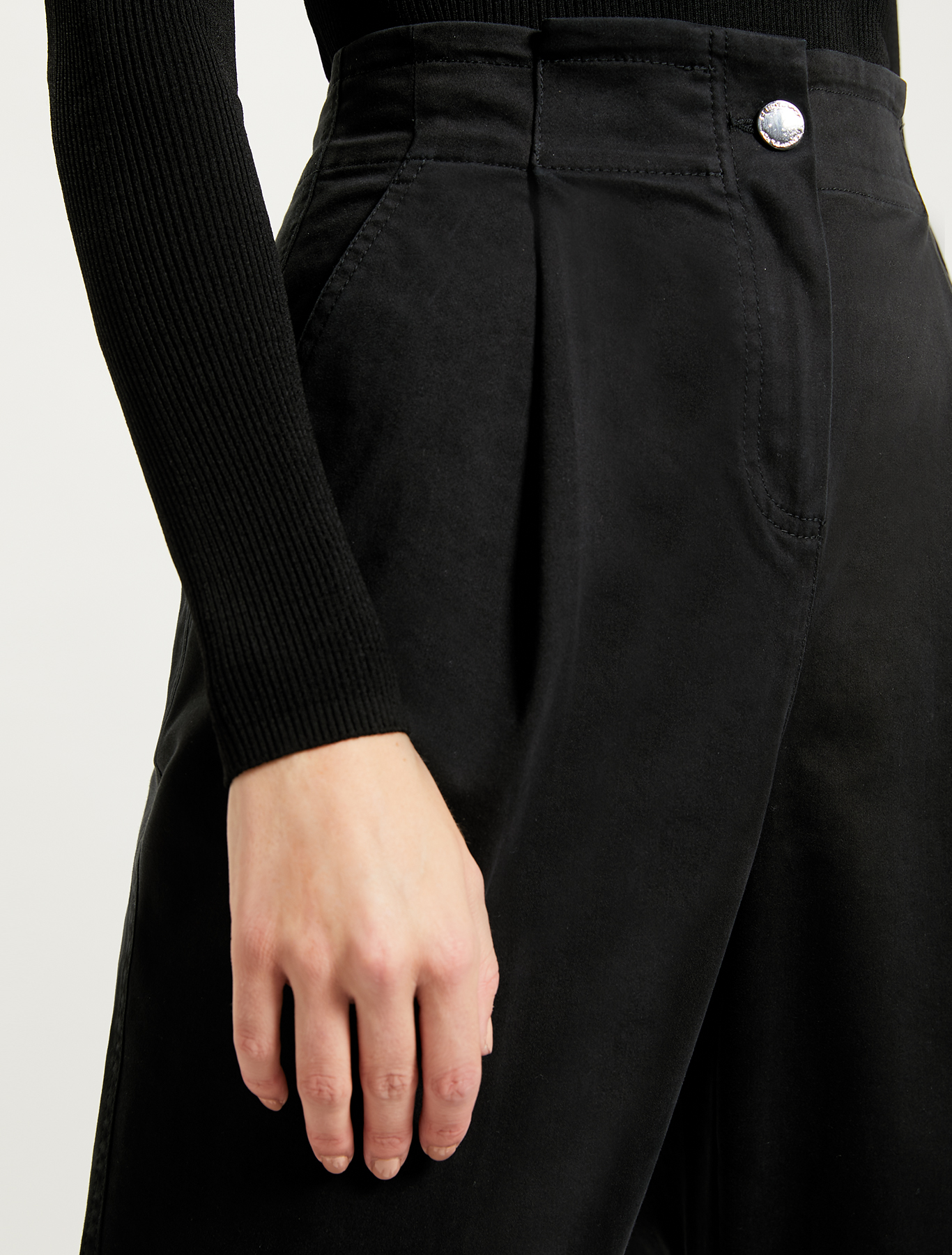 Cotton, carrot-fit trousers - black - pennyblack