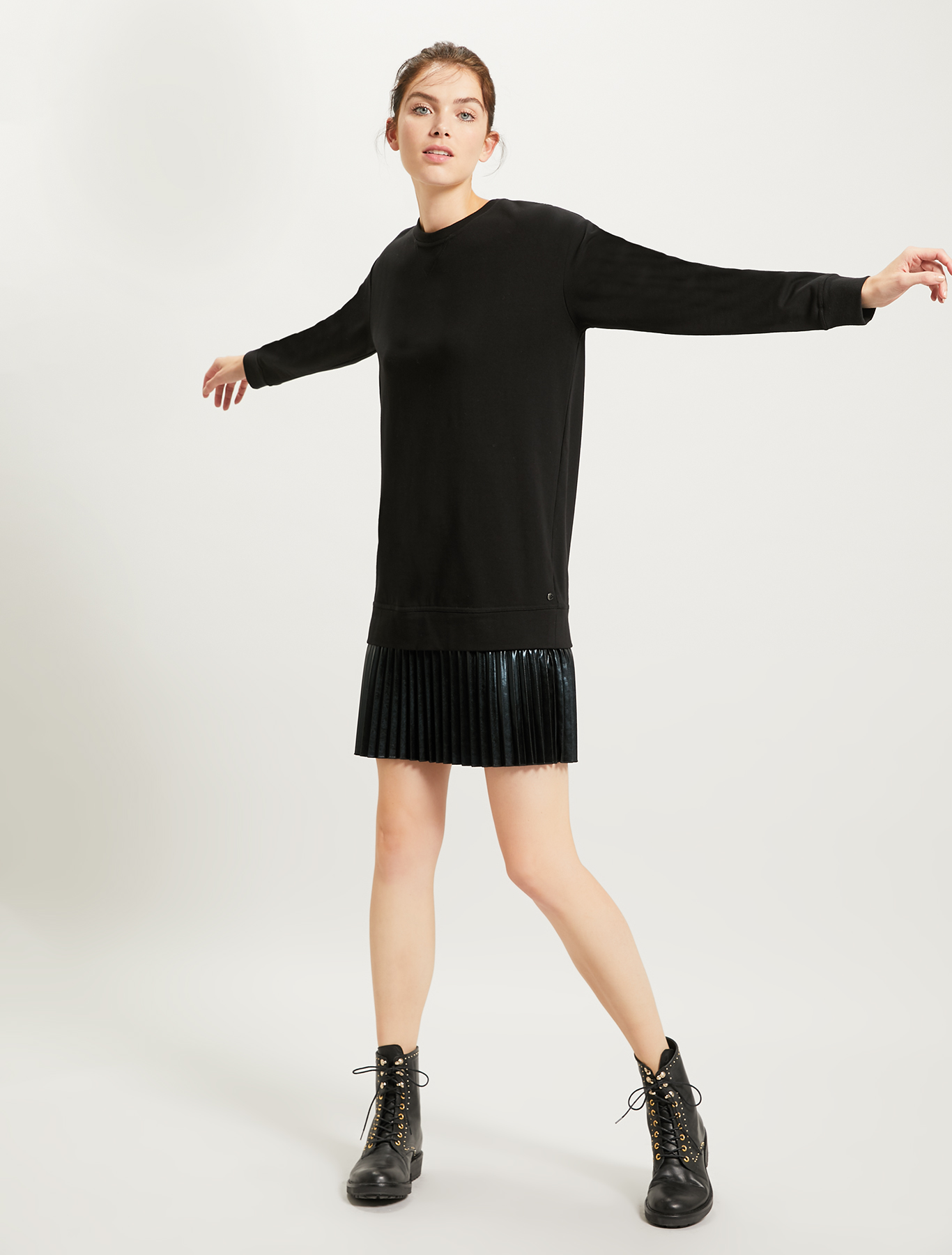 Sweatshirt dress with pleated flounce - black pattern - pennyblack