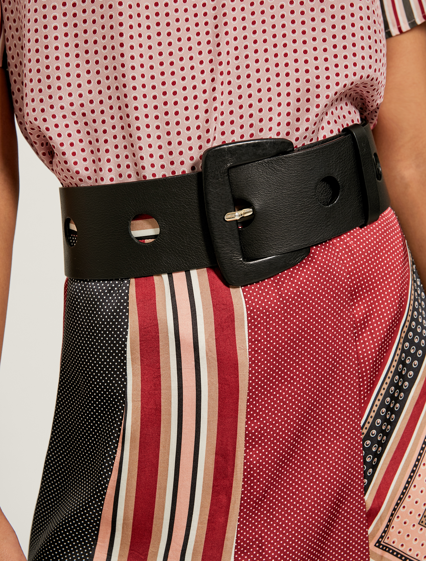 Waist belt with circular inlays - black - pennyblack