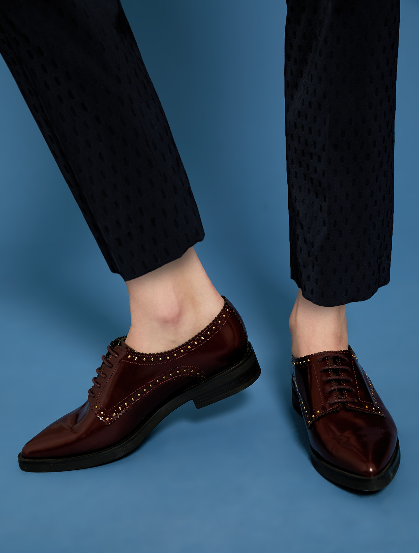 Lace-ups with micro studs - burgundy - pennyblack