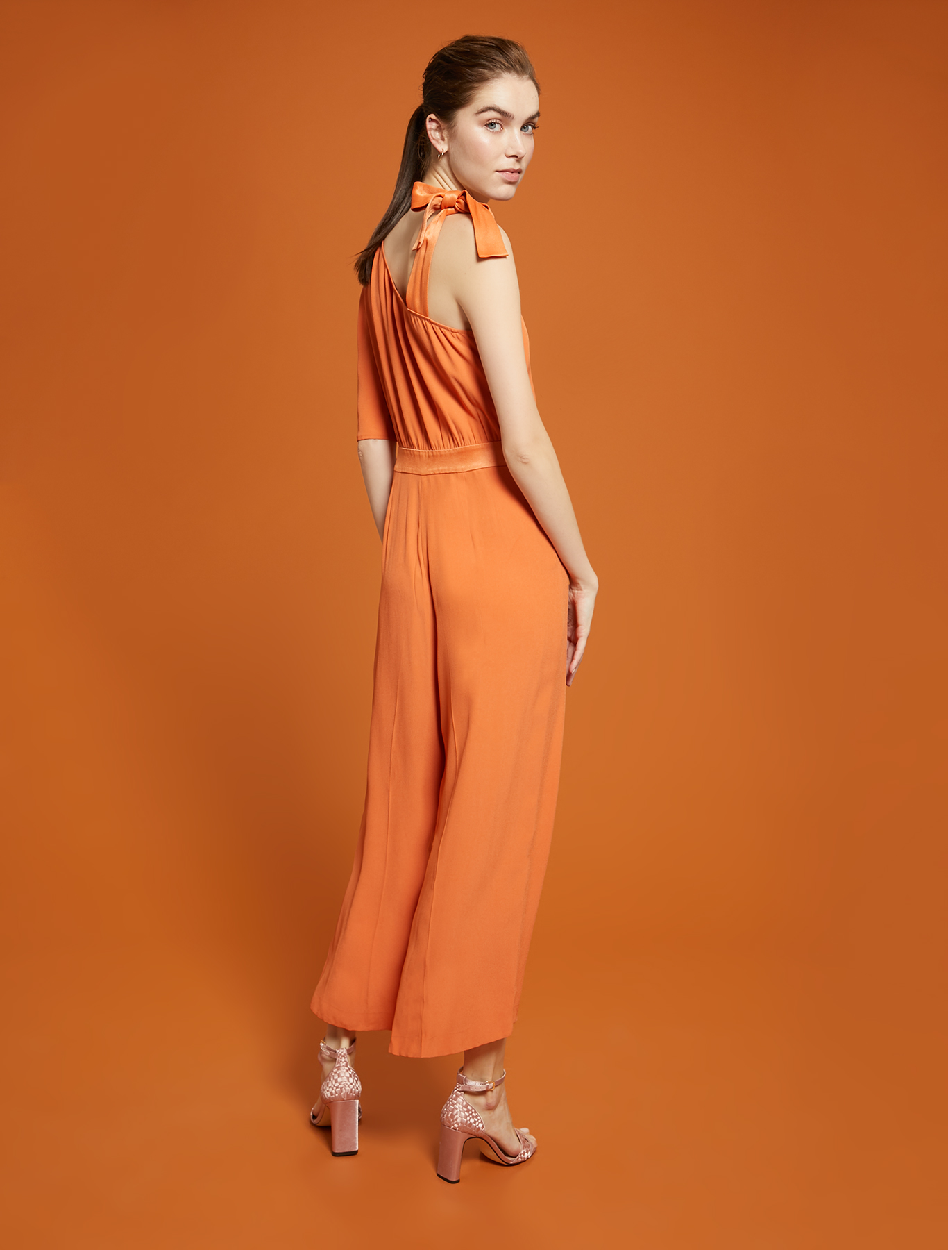 One-shoulder jumpsuit in envers satin - orange - pennyblack