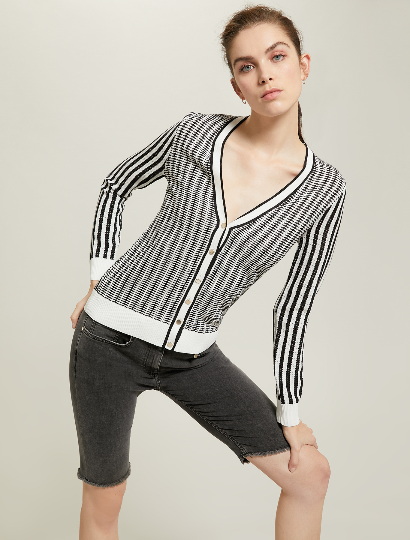 Slim cardigan in jacquard - white pattern - pennyblack
