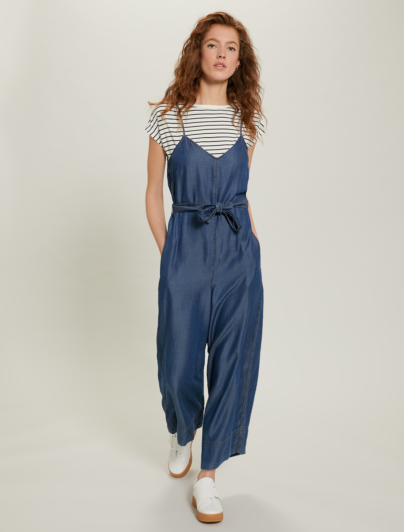 Jumpsuit in flowing denim - navy blue - pennyblack