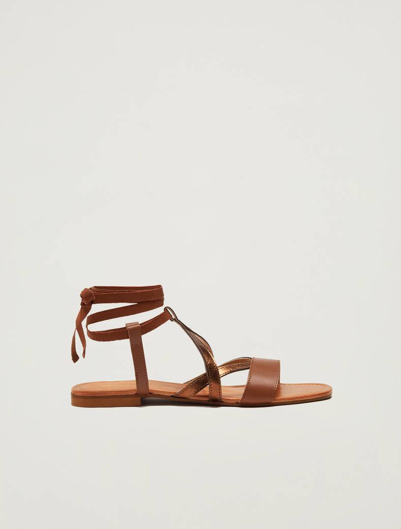 Sandals with leather straps - brown - pennyblack