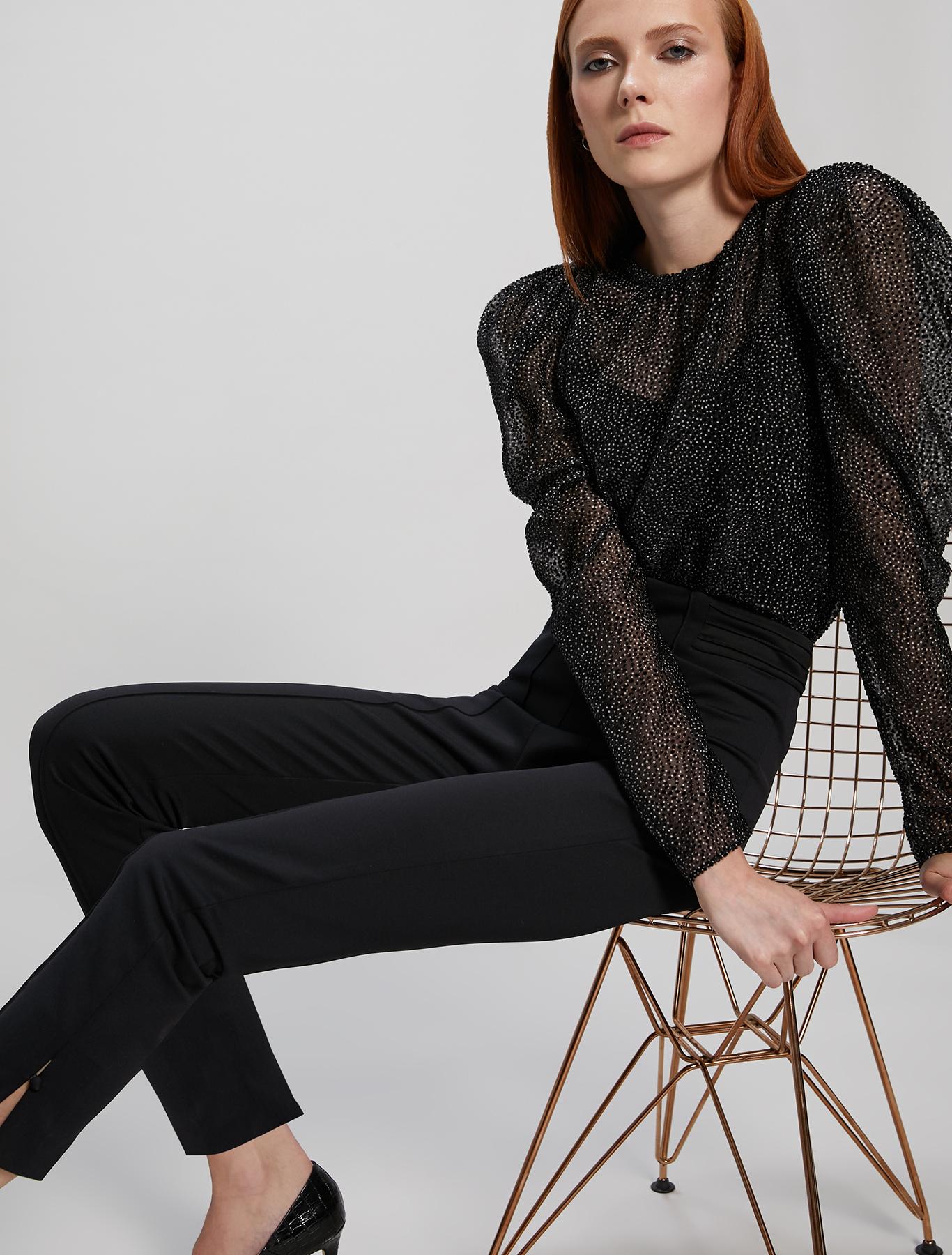 Blouse in 3D polka dot georgette - black pattern - pennyblack
