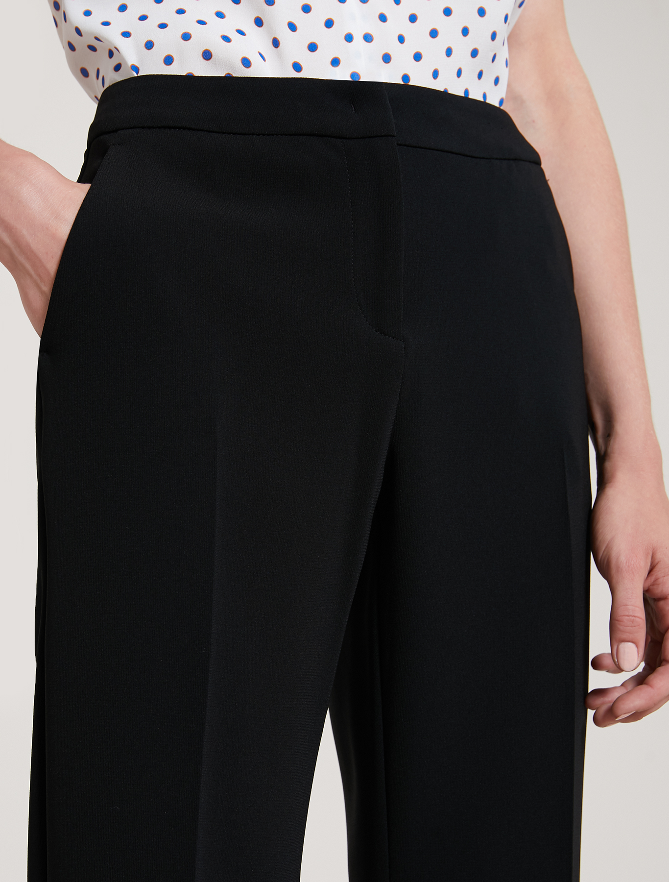 Flowing fabric trousers - black - pennyblack