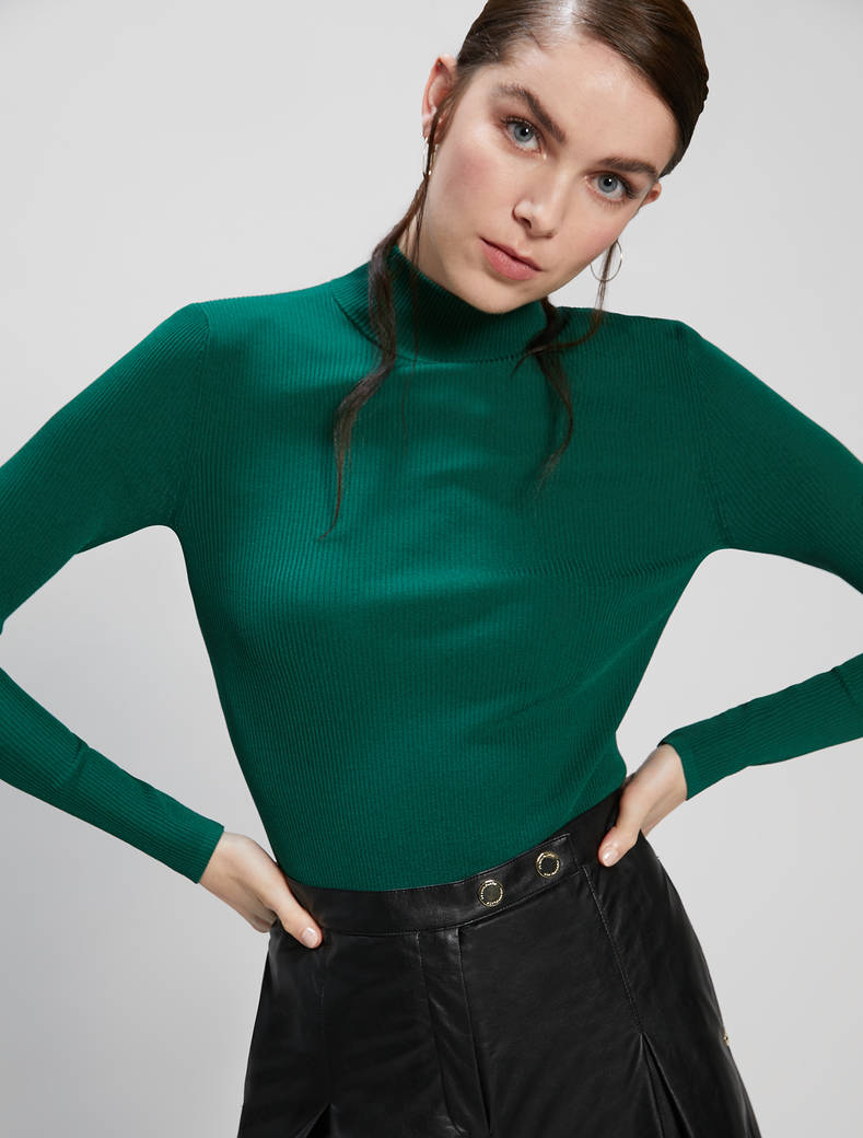 Slim-fit ribbed polo neck - green - pennyblack