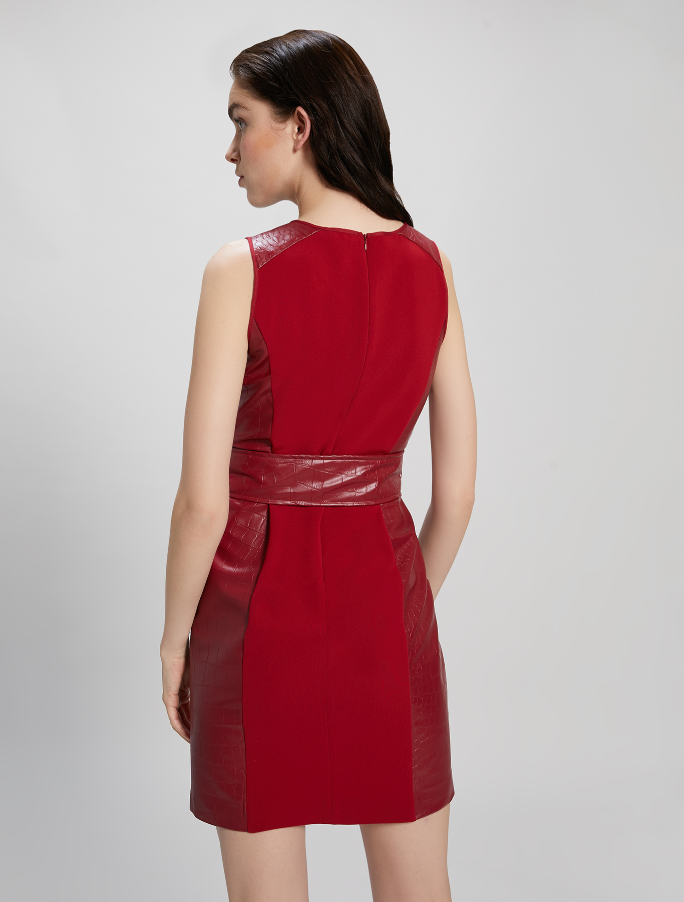 Sheath dress with croc texture - burgundy - pennyblack