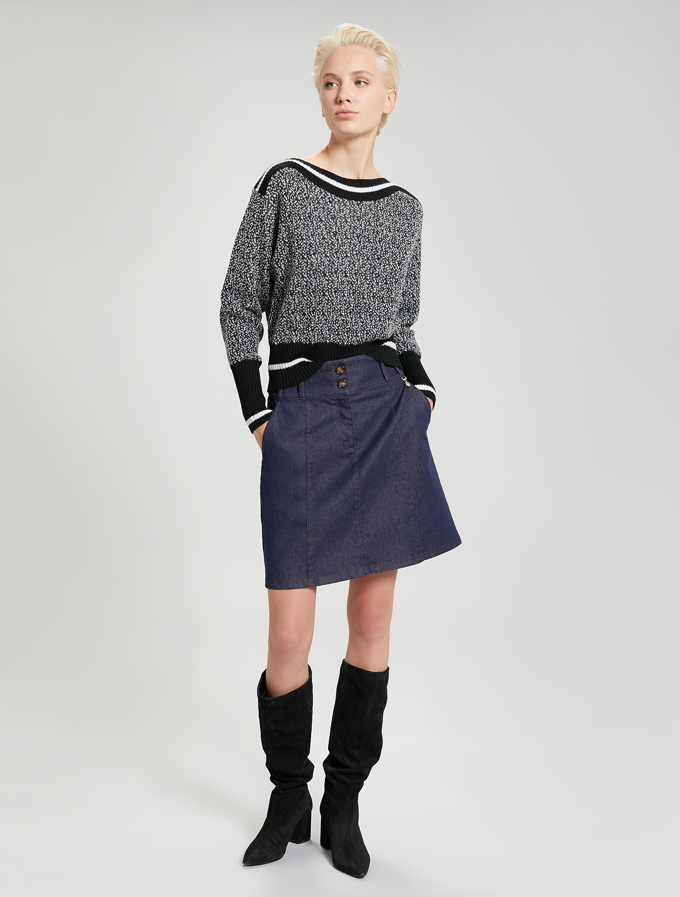 Micro-pattern jacquard jumper - black - pennyblack