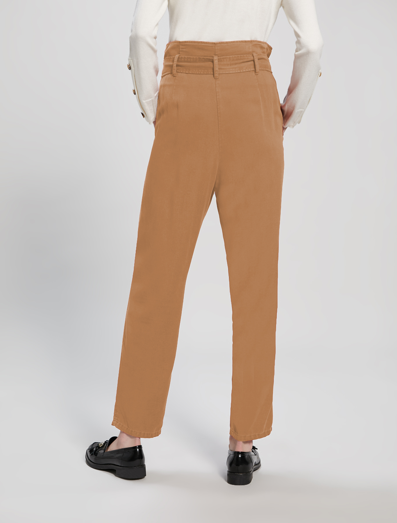 Carrot-fit trousers - beige - pennyblack