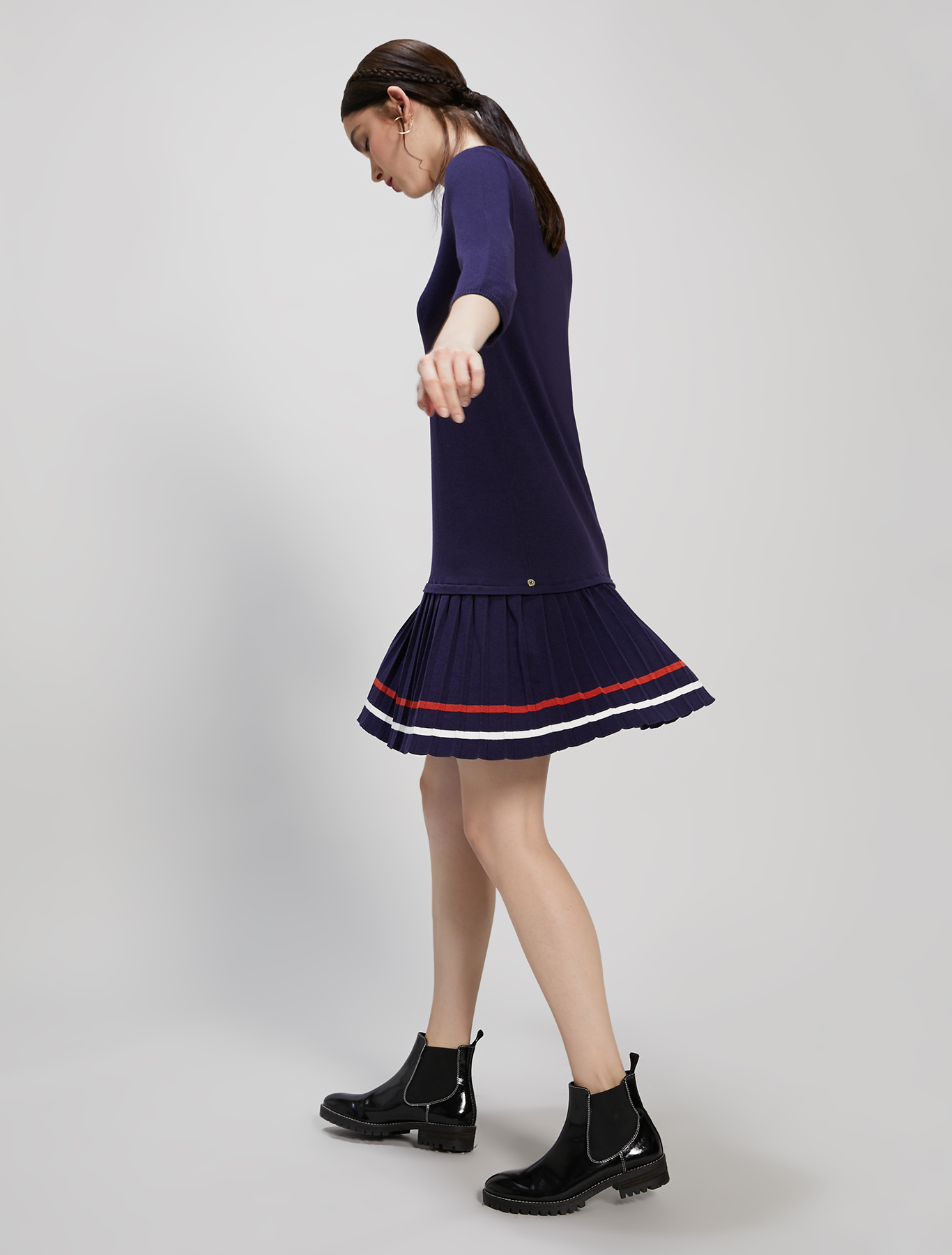 Knit dress with pleated flounce - navy blue pattern - pennyblack