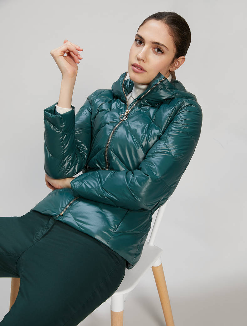 Slim-fit belted down jacket - dark green - pennyblack