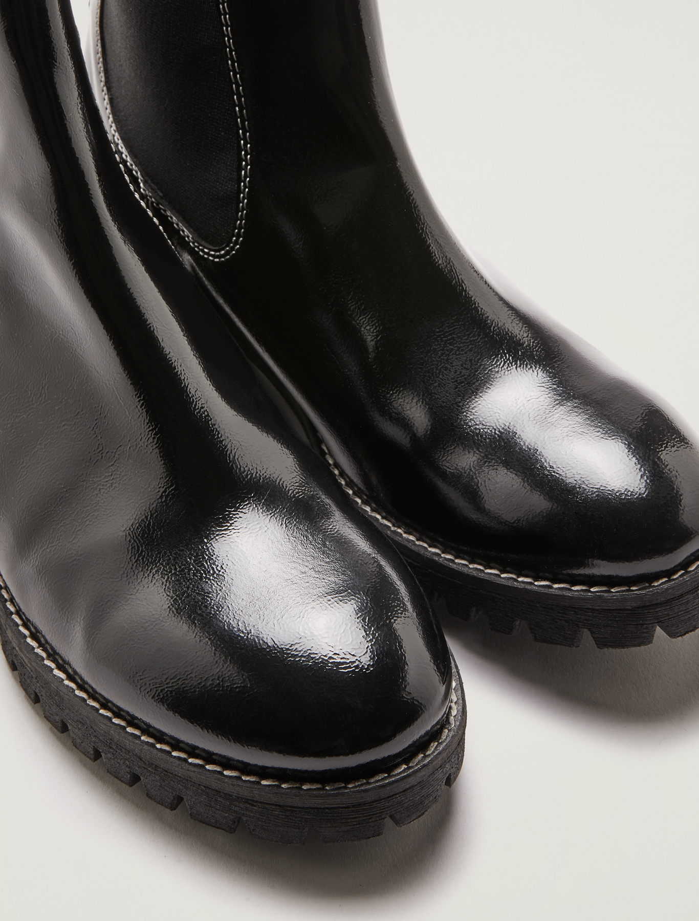Patent leather Chelsea boots - black - pennyblack