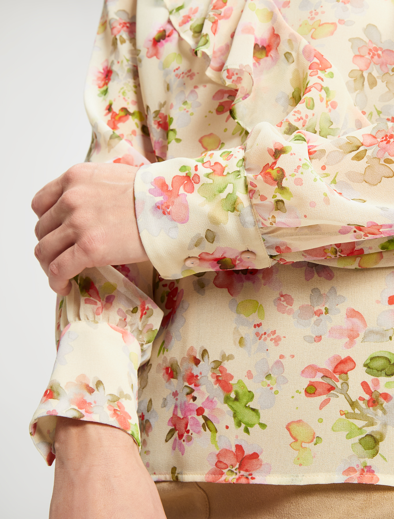 Blouse in floral georgette - soft yellow pattern - pennyblack