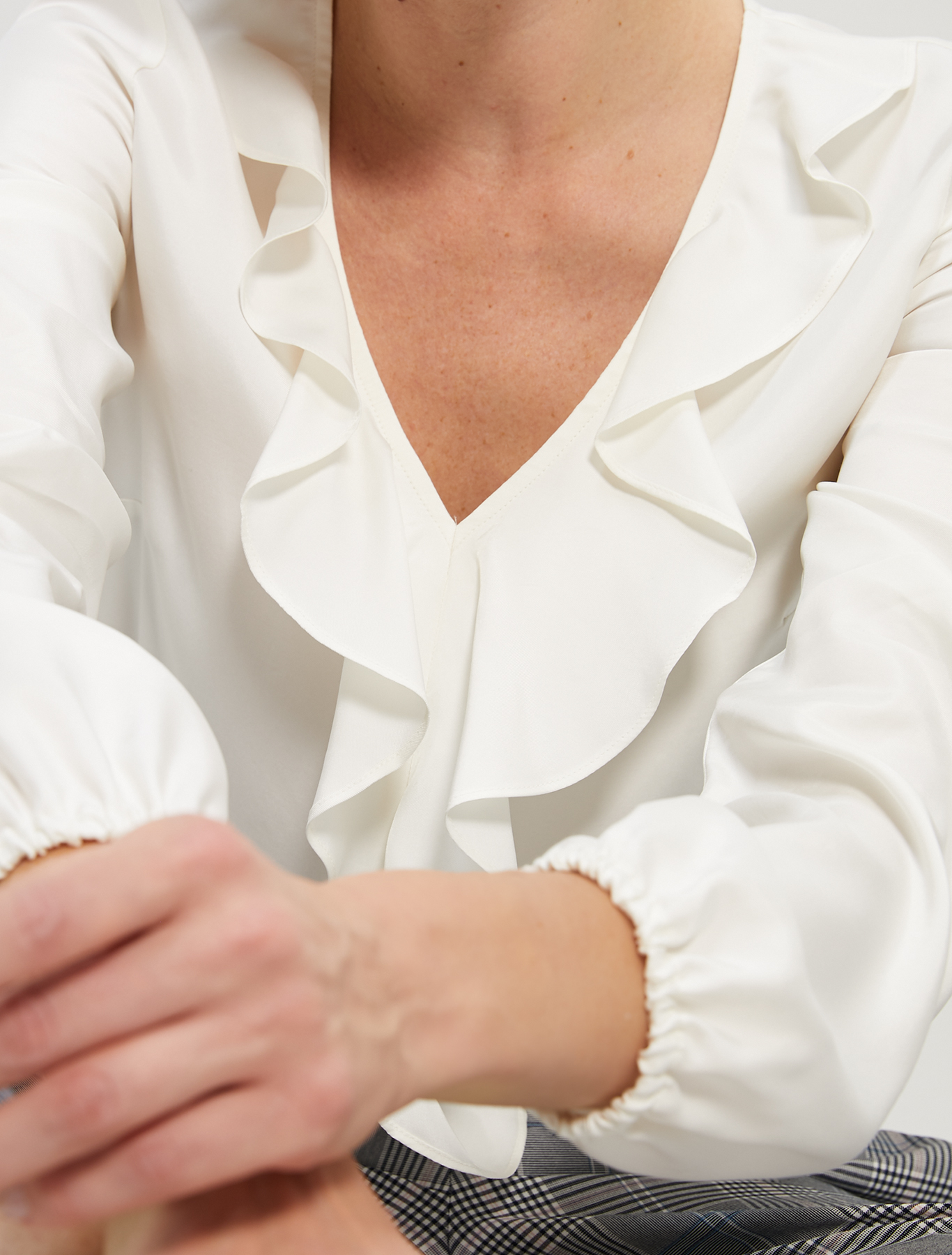 Twill blouse with flounce - ivory - pennyblack