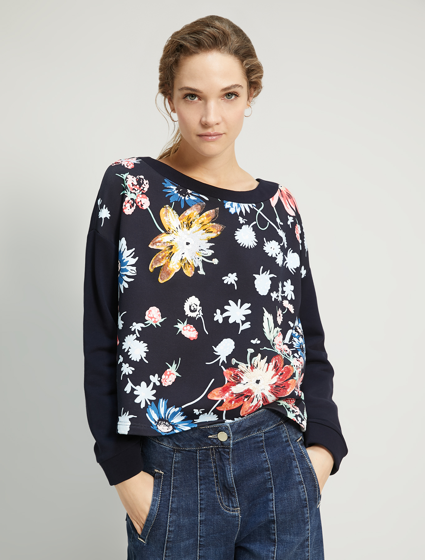 Sweatshirt with print and embroidery - navy blue - pennyblack
