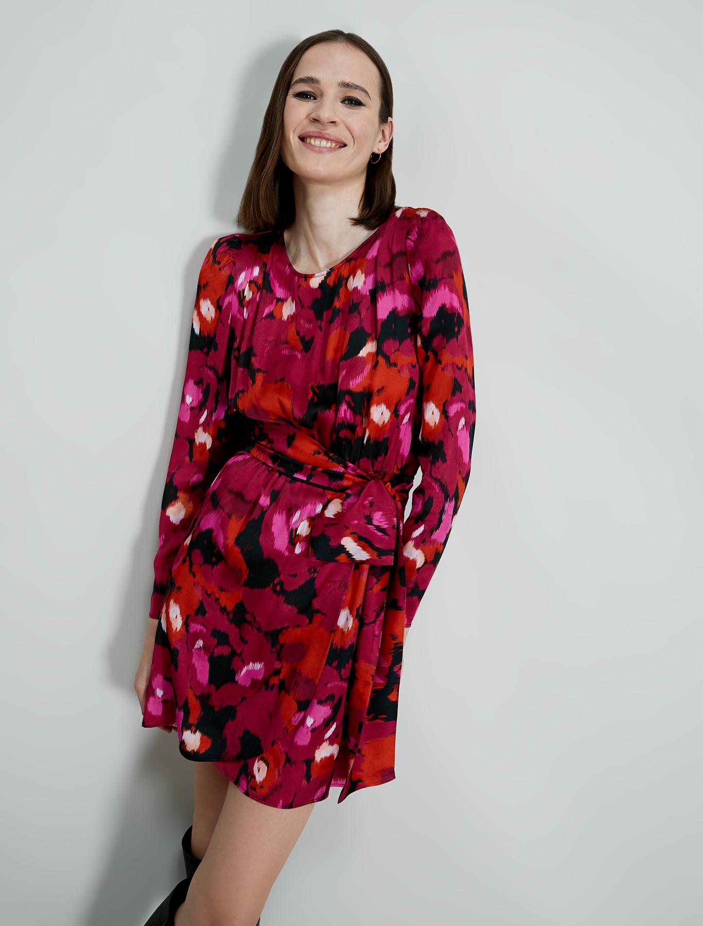 Flowing satin dress - fuchsia pattern - pennyblack