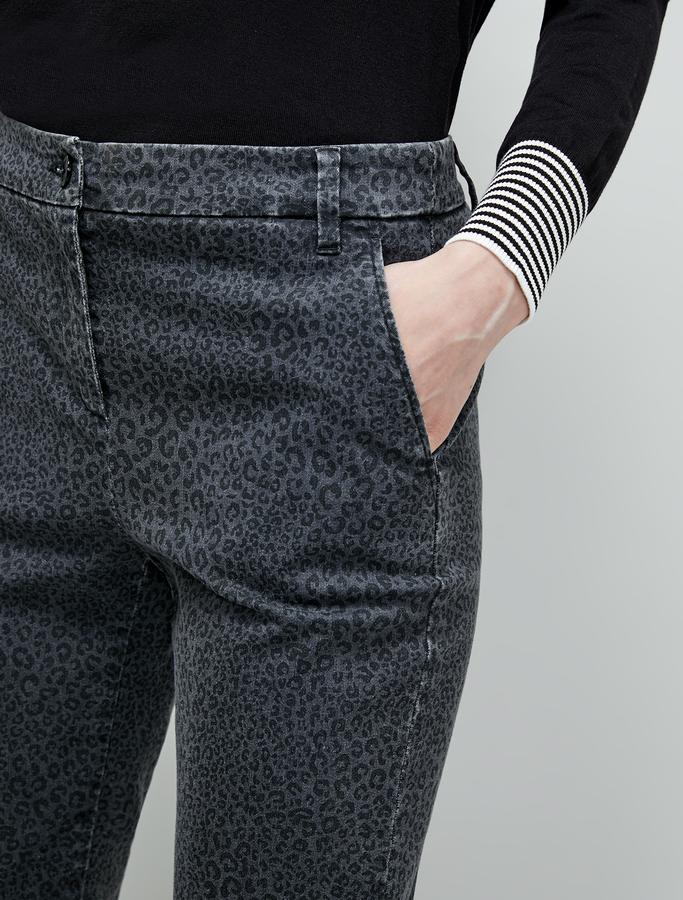 Spotted micro-pattern jeans - black - pennyblack