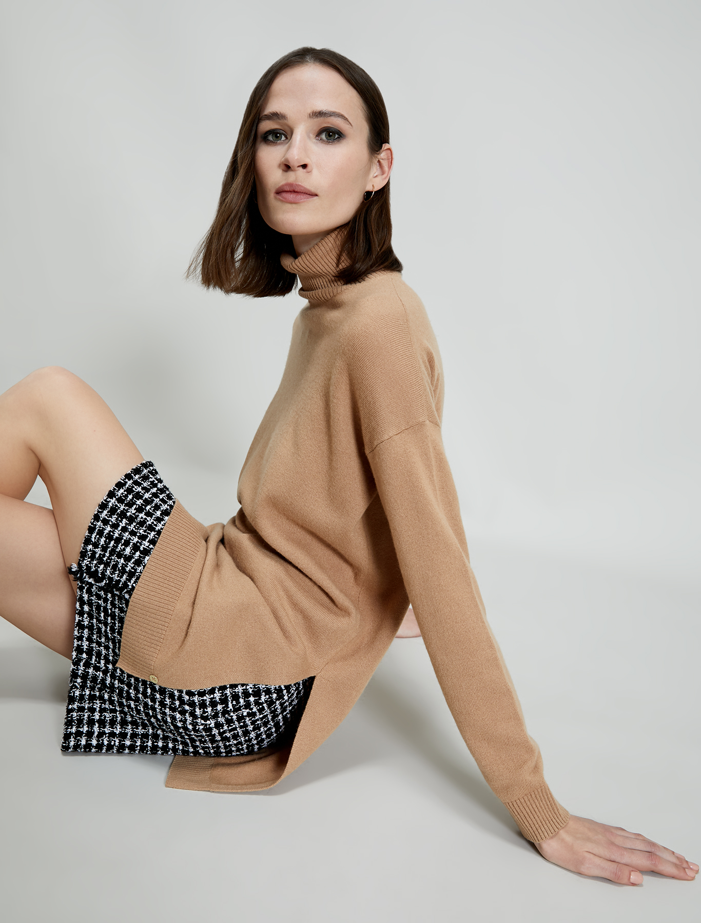 Polo neck jumper with slits - beige - pennyblack