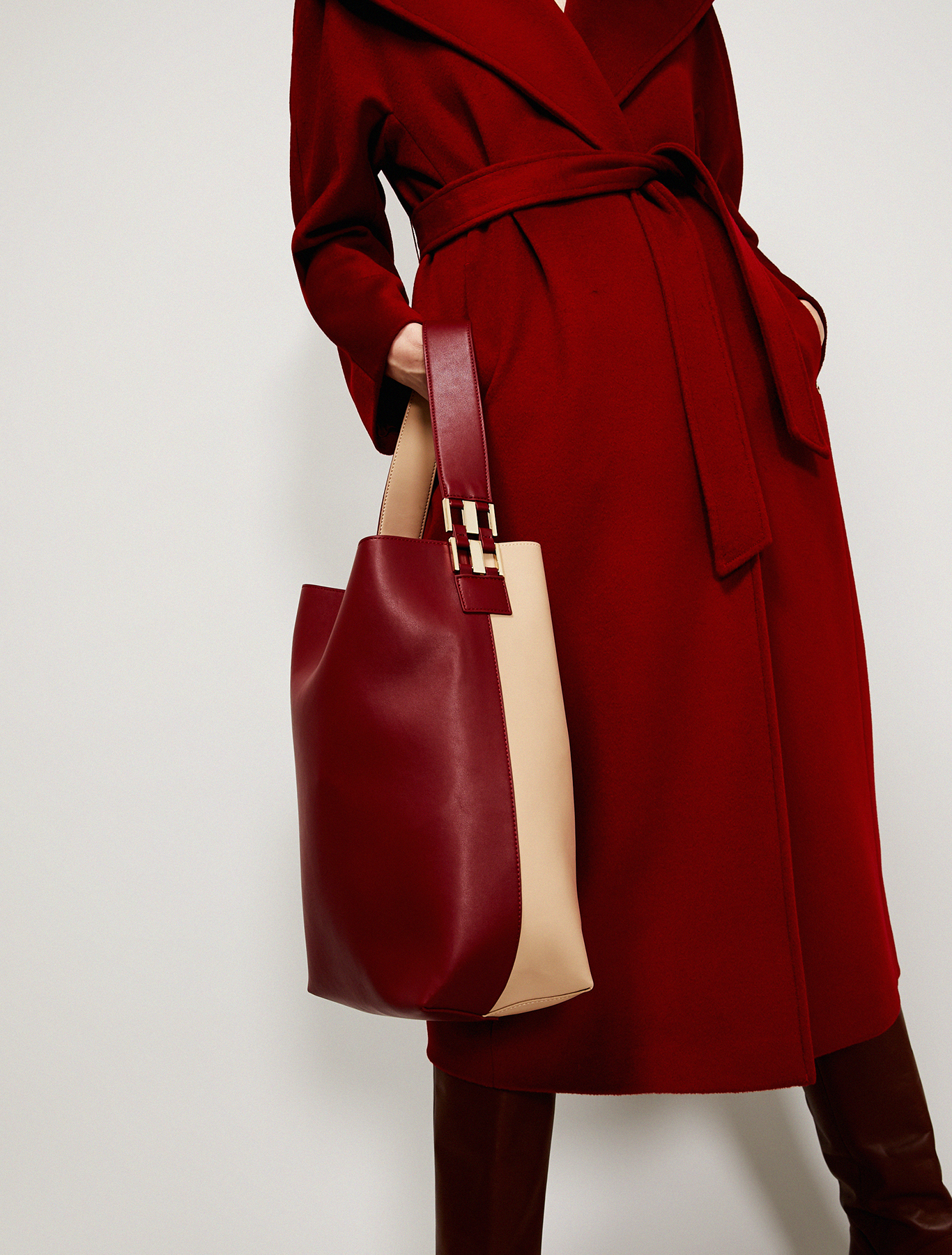 Maxi two-tone bucket bag - burgundy - pennyblack