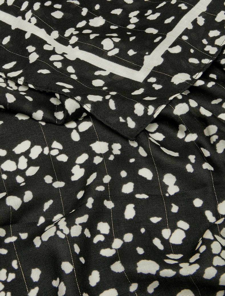 Patterned twill stole with lamé - white - pennyblack