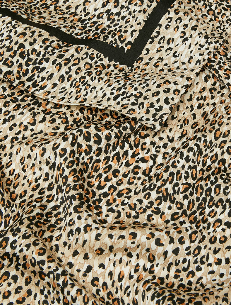 Fluid patterned stole - beige - pennyblack