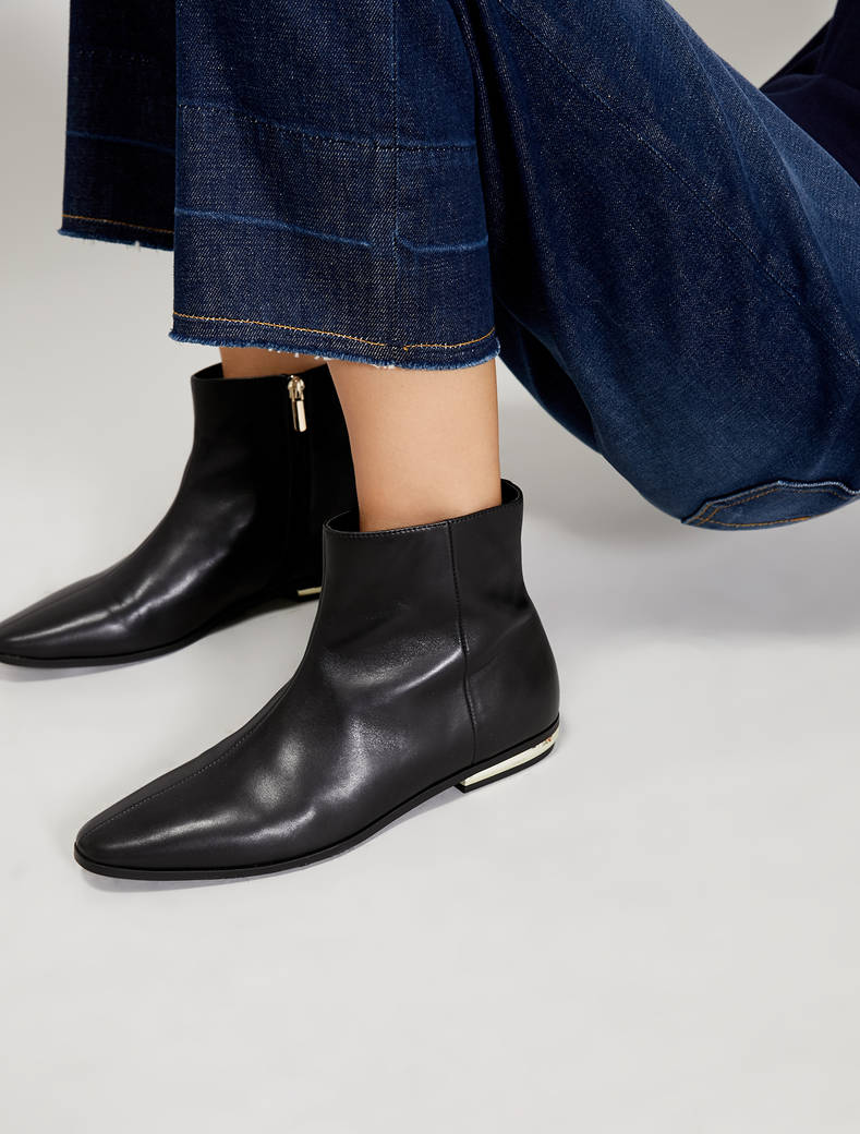 Ankle boots with gold mini-heel - black - pennyblack